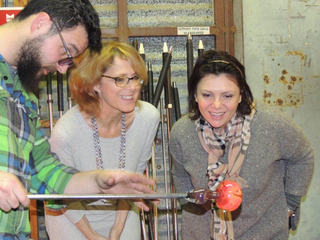 https://vetroartglass.com/glassblowing/the-team-building/  Team Building - Glassblowing - Events